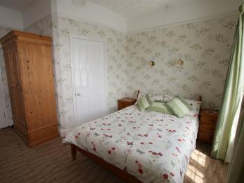 Double room-Standard-Ensuite with Bath-Room 4 - Base Rate