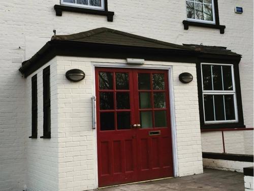 The Volunteer Inn Enterance