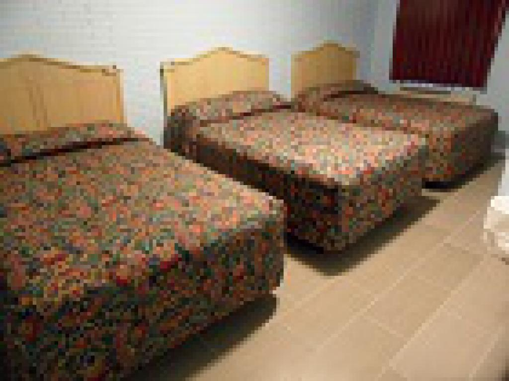 Standard-Triple room-3 Double Beds -Private Bathroom
