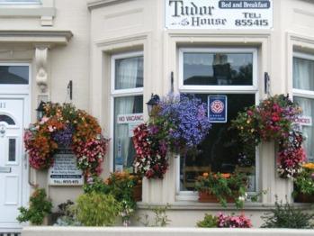 Tudor House Guest House -
