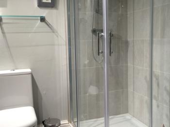 En suite showers and baths available