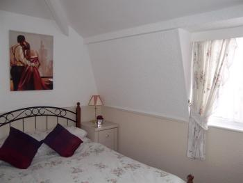 Double room with F/screen TV  drinks facilities  large ensuite with towels & selection of toiletries