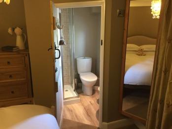 Master Bedroom Ensuite Shower & WC