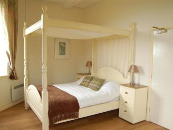 Double room-Ensuite with Shower-Large Four Poster
