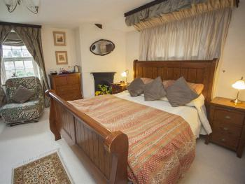 Double room-Premium-Ensuite-Garden View-FarmhouseRoom