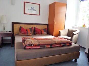 Doppelzimmer-Budget-Ensuite Dusche-Gartenblick-Forsthaus 7 - Doppelzimmer-Budget-Ensuite Dusche-Gartenblick-Forsthaus 7