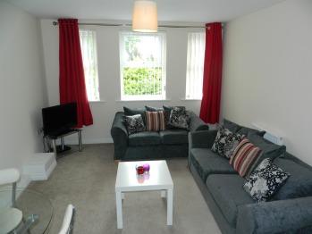 Apartment-Standard-Ensuite-11 Baird House
