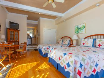 Queensboro -Suite-Private Bathroom-Patio