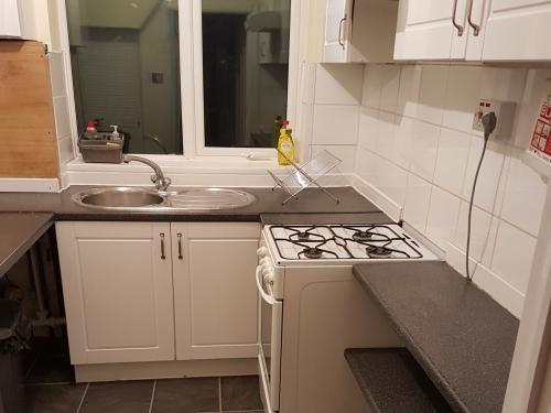 Fully furnished Kitchen for your quick-cooking or fry-up for breakfast or Lunch