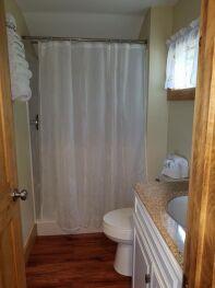 Cottage 6 - 10 Bathroom Layout