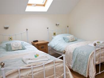Double or Twin-Suite-Ensuite-Coach House-with Lounge