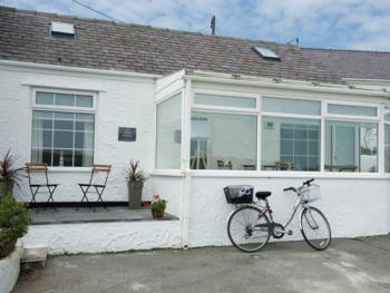 Beach Retreat - Sleeps 4