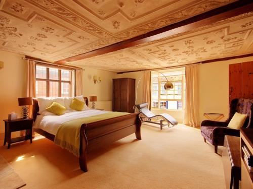 DUKE OF YORK BEDROOM