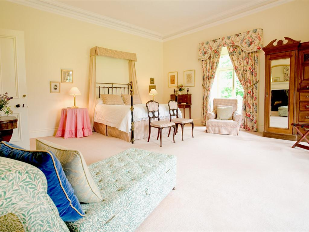 Double room-King-Ensuite with Bath-Countryside view
