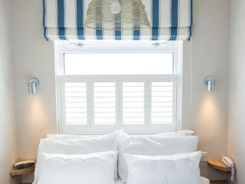 Wight - Small Double En-suite Sea View