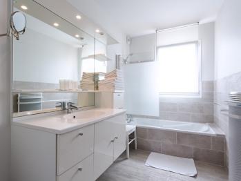 salle de bains chambre en suite de luxe 6 personnes