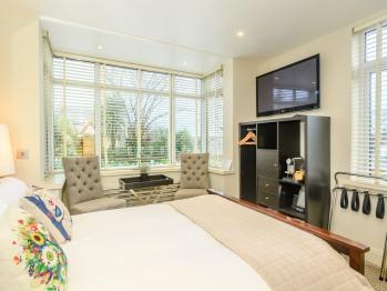 Double room-Economy-Ensuite-Garden View-Room 3
