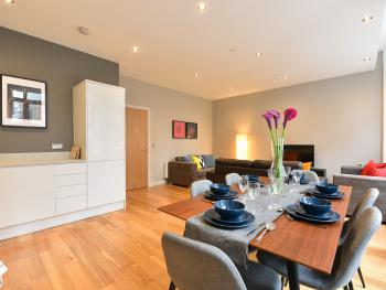 Emerald House Apartments - East Croydon - Great Room - 2 Bed Apartment