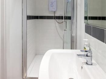 Studio-Apartment-Private Bathroom