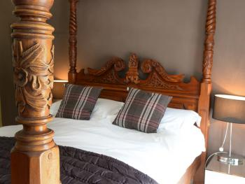 Double room-Luxury-Ensuite-Four Poster Bed