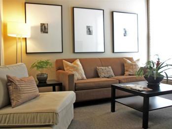 Living Room - Superior Queen Suite (2-Bedroom)