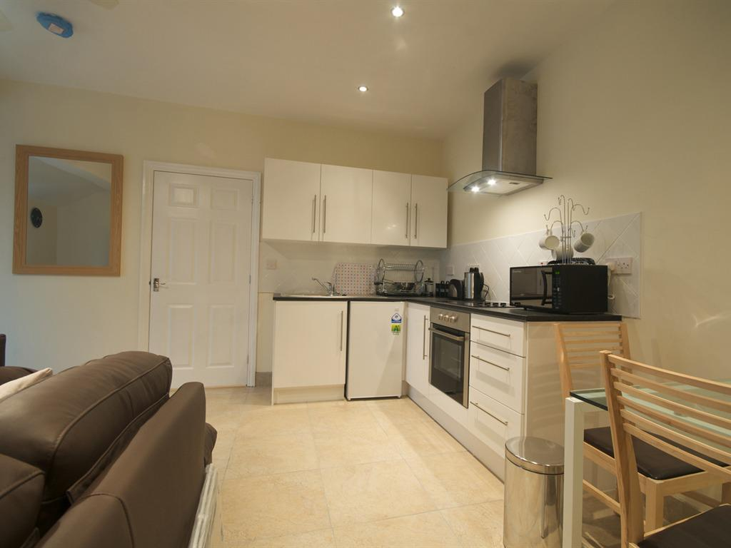 Ash Self Catering One Bedroom Cottage/Full Kitchen/Lounge