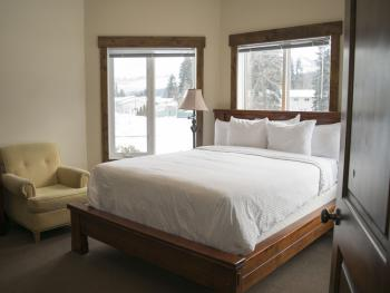 Double room-Ensuite-Standard-Cariboo Suite.