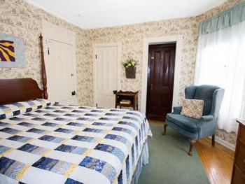 Room 5-Queen-Ensuite with Shower-Standard-Garden View