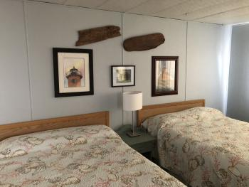 Room n 14 ,kitchenette with 2 full size bed , max 4 people