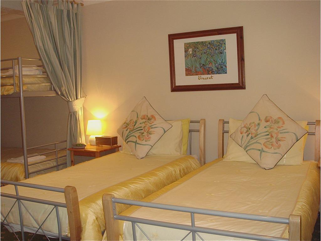 Family room-Standard-Ensuite-2 Adults 2 Child