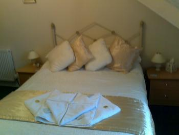 Double room-Ensuite-2nd Floor Room 5  - Base Rate