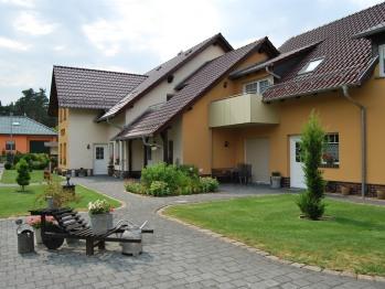 Häuser und Außenbereich