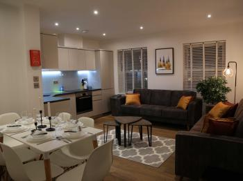 Cosy Stay Apartments -