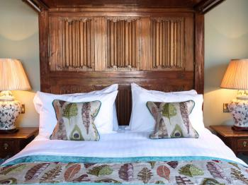 Double room-Deluxe-Ensuite with Shower-Four Poster