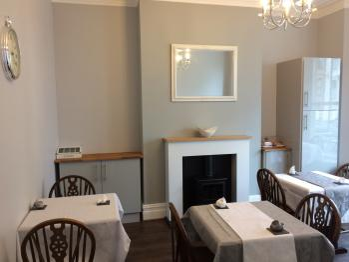 The Sea Lynn - Breakfast/food room