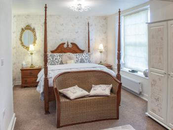 Master Suite - Four Poster King Ensuite