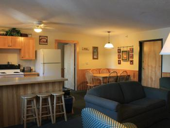 Two Bedroom Suite-Lodge-Deluxe-Lake View-Private Bathroom