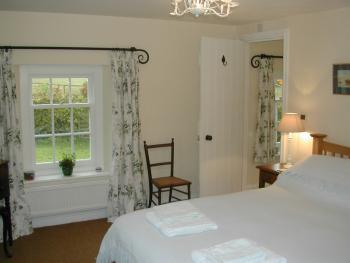King Suite - Bed & Breakfast