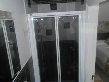 Family en-suite shower