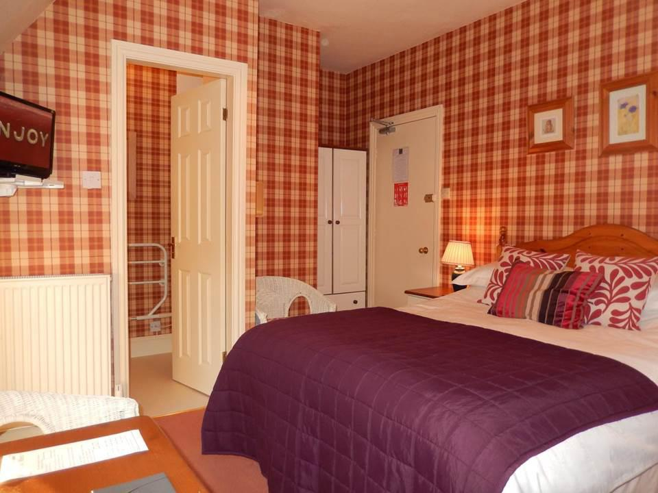 Double room-Comfort-Ensuite with Shower-Mary