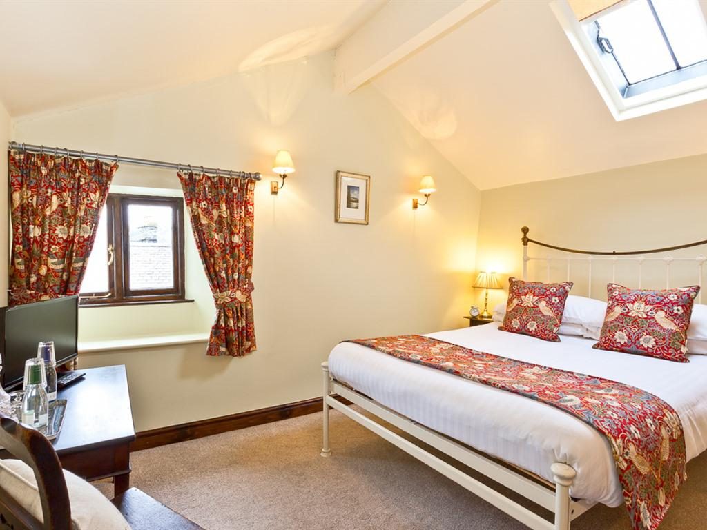 Double room-Deluxe-Ensuite with Bath-Mountain View - Base Rate