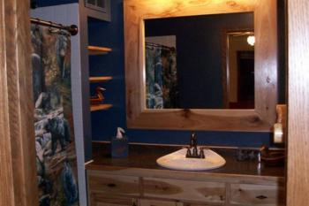 Back Woods Suite Bathroom
