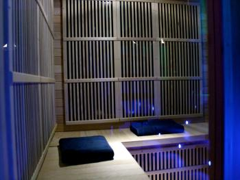 Sauna avec chromothérapie et musique intégrée