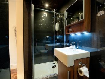 Enid Manor Single En-Suite Shower Room