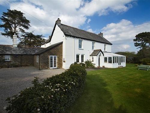 Buckalwren Farmhouse