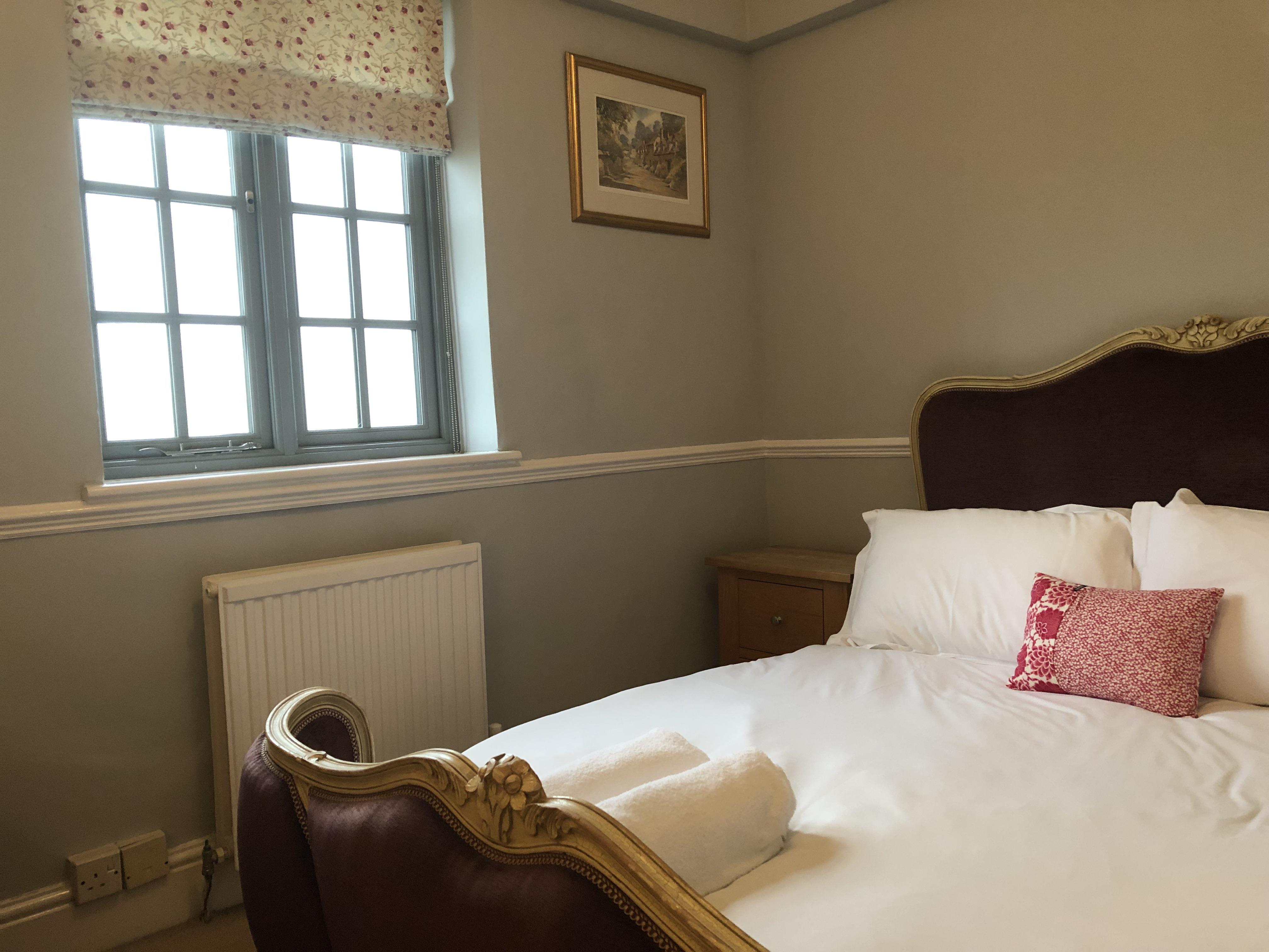 Double room-Economy-Ensuite with Shower-Garden View-Main House 1st Floor