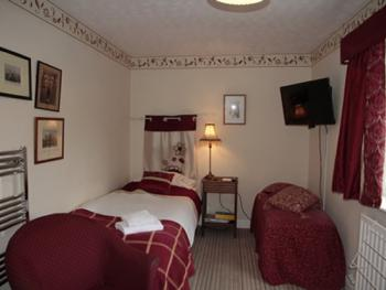 The Garden Room offering twin bed accommodation