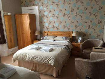 Heidl Guest House - Ensuite Family Room Sleeps 3