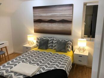 Gartmorn dam walkers accommodation - Guest bedroom