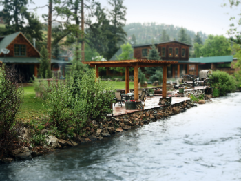 The Cabins at Country Road